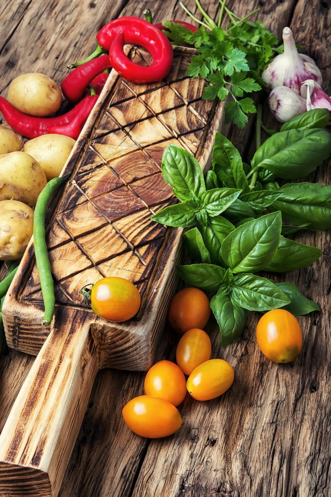 harvest-of-summer-vegetables-PUPJ6RG