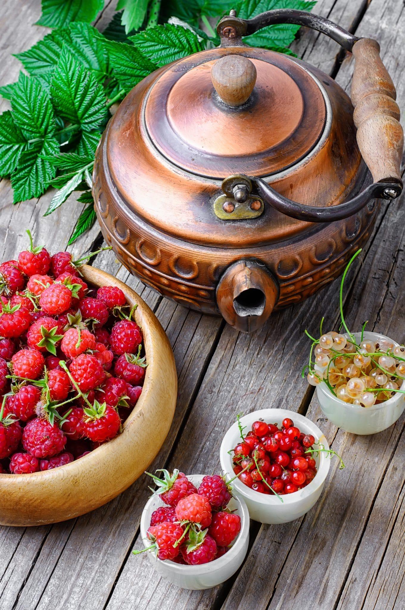 summer-berry-tea-PGJSXGJ